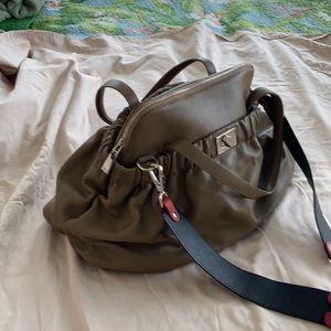 Satchel and shoulder leather handbag